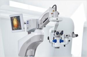 Operationsmikroskop ZEISS Lumera 700 mit Resight 700 System für die Vitreoretinal - Chirurgie