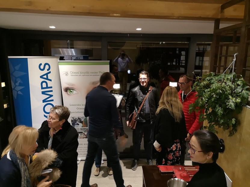 Predstavitev Očesnega kirurškega centra Pfeifer v sodelovanju z turistično agenciji Kompas na srečanju z letalskim prevoznikom Air China na dobro obiskanem dogodku v Ljubljani. - november 2018